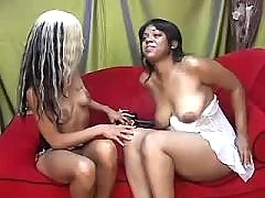 Alluring lesbo ebony like it hard